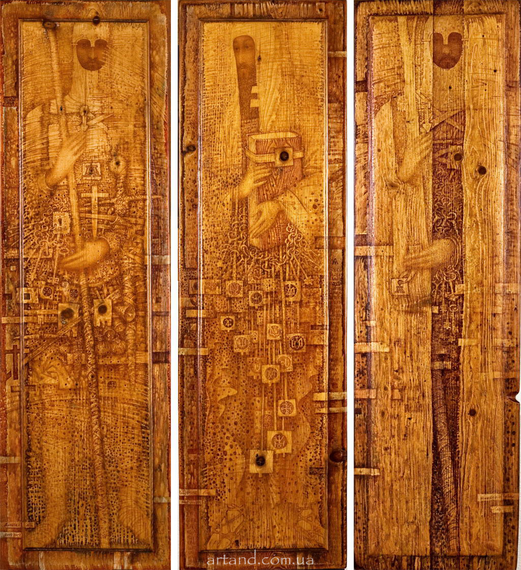 <strong>The Guardians of antiquities</strong><br /><em>Triptych, 2005, 119х35, 119х35, 119х35</em>, Wood, author's technique